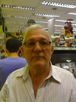 Edy Frads, 78 anos, namoro online gratuito
