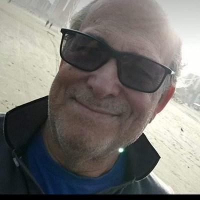José, 58 anos, site de encontros
