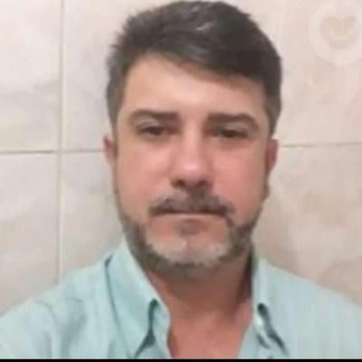 Léo Tavares, 50 anos, namoro serio