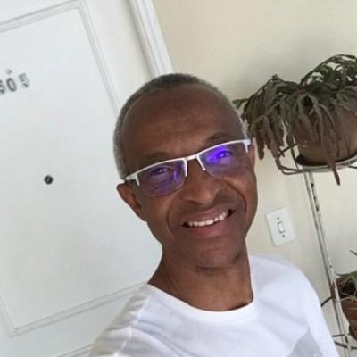 Coutinho, 59 anos, namoro online