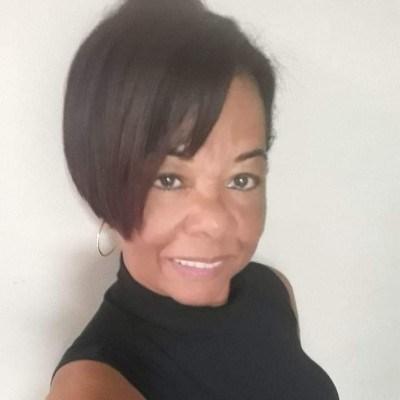 lina55, 58 anos, namoro online