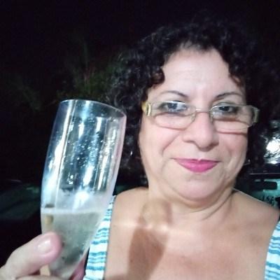 Carinhosa, 64 anos, site de relacionamento gratuito