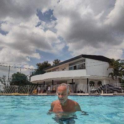Franco, 61 anos, namoro serio