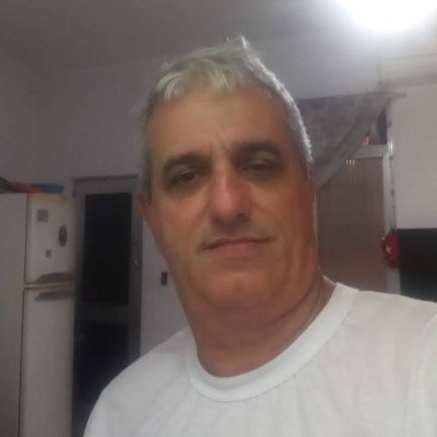 Legram, 57 anos, namoro