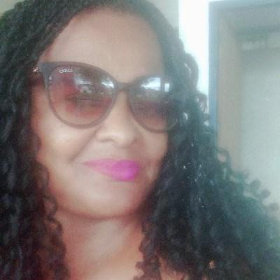 Pina, 48 anos, namorada gratis