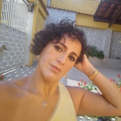 Kika, 55 anos, namoro serio