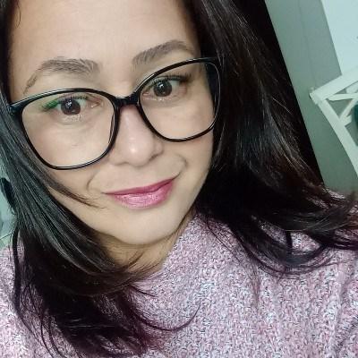 Claudia, 40 anos, namoro online gratuito