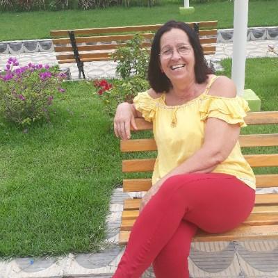 Jacira, 61 anos, solteira