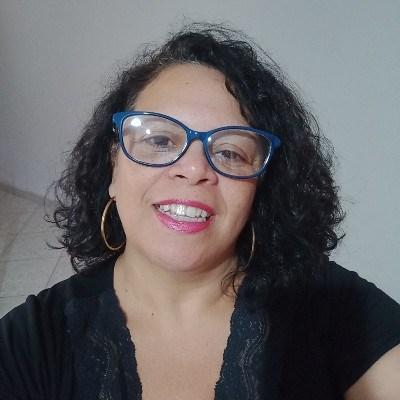 Nadia, 48 anos, namoro online