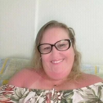 Kaca, 40 anos, namoro