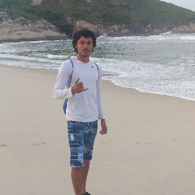Vinicius, 20 anos, namoro online gratuito