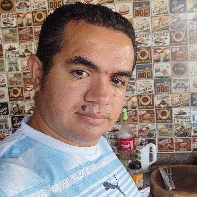 Wesley, 35 anos, namoro online gratuito