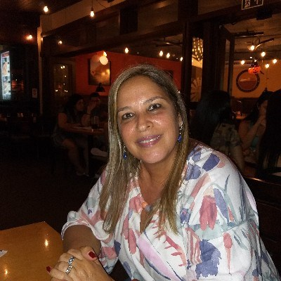Lena, 52 anos, solteiro