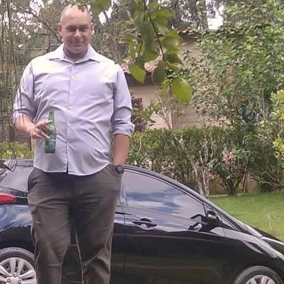 Oliveira, 40 anos, namoro online