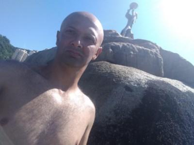 Roberto, 44 anos, gay