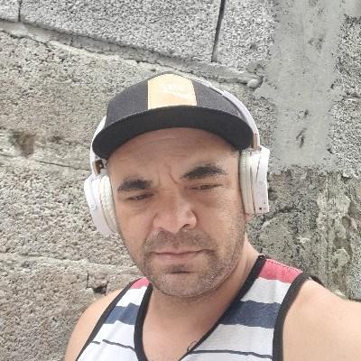Fabiano, 44 anos, namoro online gratuito