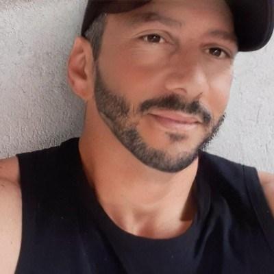 Angelo, 42 anos, site de relacionamento