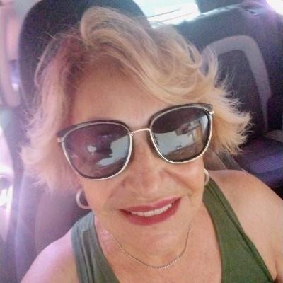 Dinha, 64 anos, namoro online