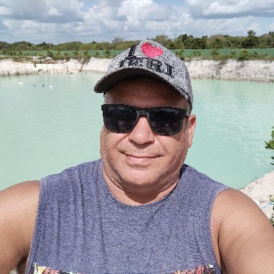 Paulão livre, 48 anos, namoro online