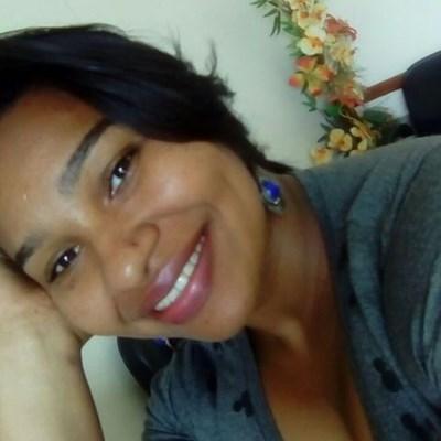 Morena, 33 anos, namoro online gratuito