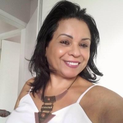 Lia, 46 anos, site de relacionamento
