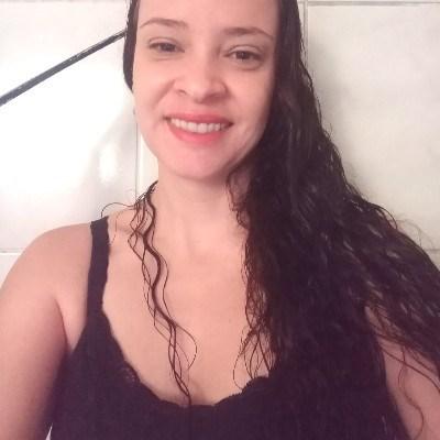 Aline, 36 anos, namoro online