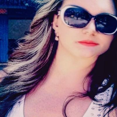 Neia, 47 anos, namoro online