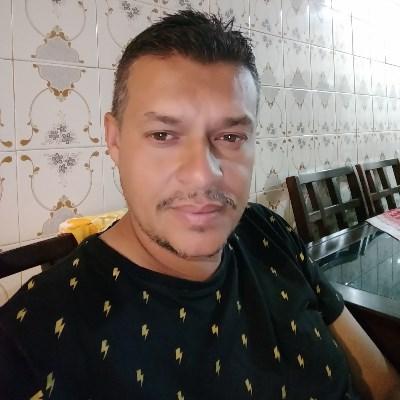 Julio, 42 anos, site de relacionamento gratuito