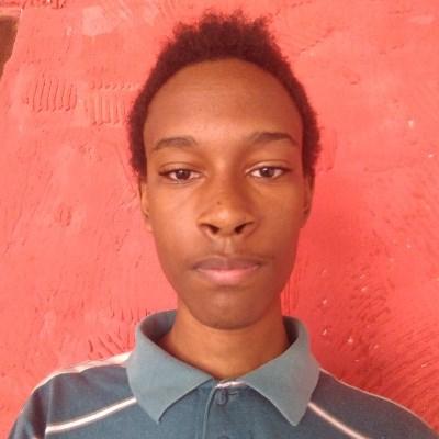 Fábio Luciano, 19 anos, namoro serio