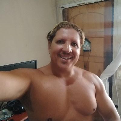 J,P, 45 anos, namoro online gratuito