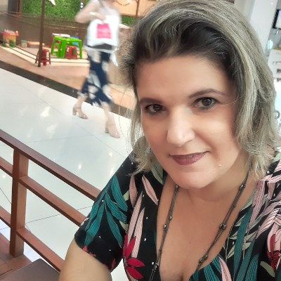 Adriana, 47 anos, site de relacionamento gratuito