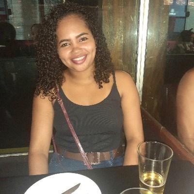 Lay, 23 anos, site de encontros