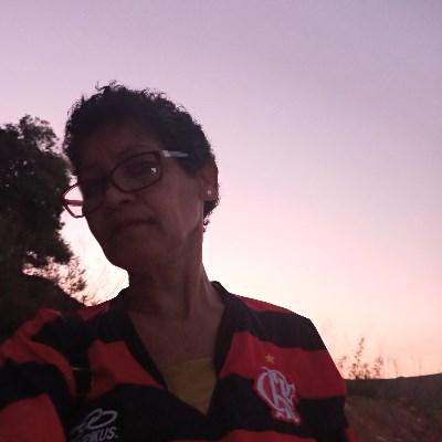 Selma, 58 anos, namoro online gratuito