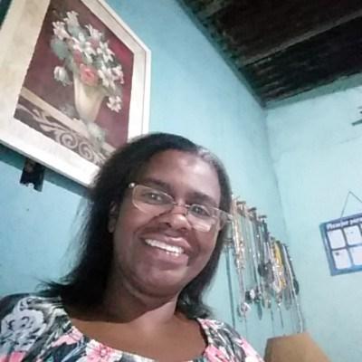 Maria, 51 anos, namoro serio