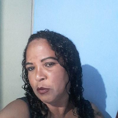 Elza, 46 anos, app de namoro gratuito