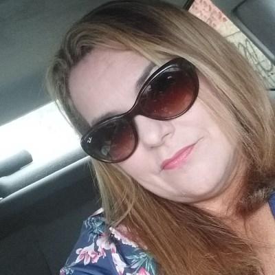 Alba, 53 anos, site de namoro gratuito