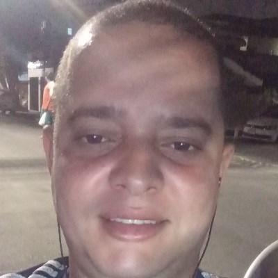Rodolfo, 31 anos, namoro serio