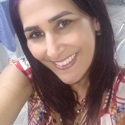 Flávia, 43 anos, namoro serio