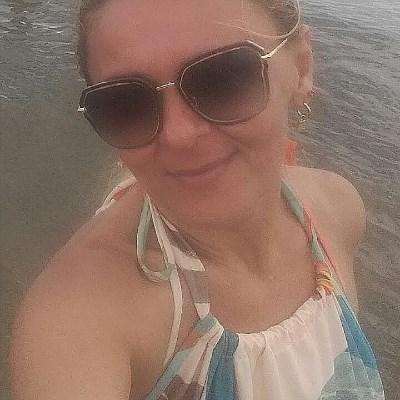 Carla, 40 anos, namoro serio