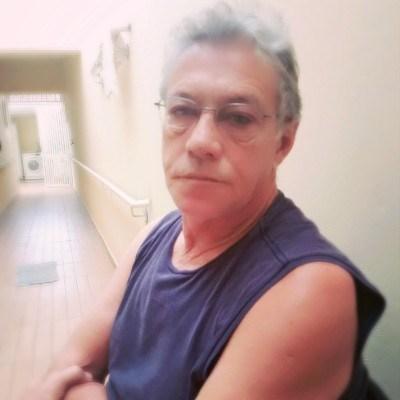 Wilson, 67 anos, namoro