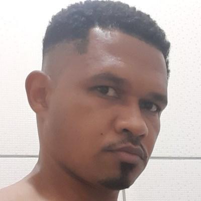 Carlo, 36 anos, namoro online gratuito