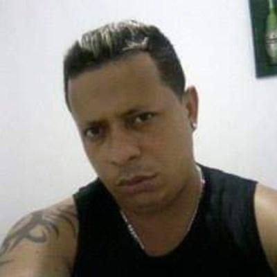 Raphael, 29 anos, namoro online gratuito