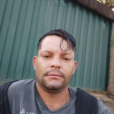 Rone, 35 anos, namoro online