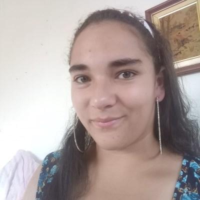 Aline Cristina, 17 anos, namoro