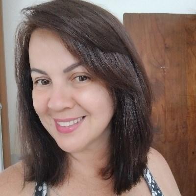 Simone, 44 anos, site de relacionamento