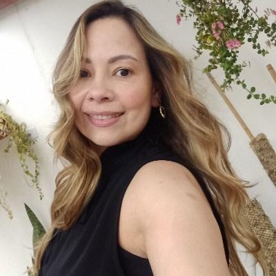 Cintia, 43 anos, namoro online gratuito