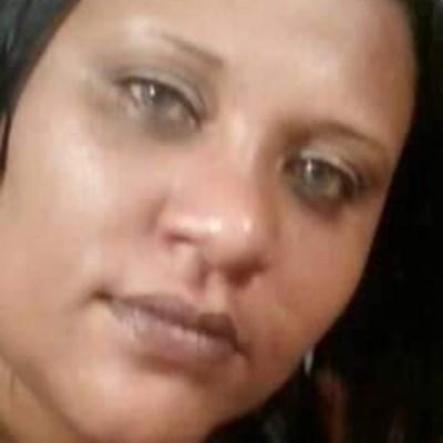 Giovana, 35 anos, namoro online gratuito