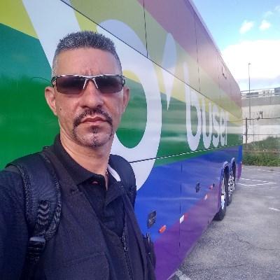 Mantovani, 40 anos, namoro serio