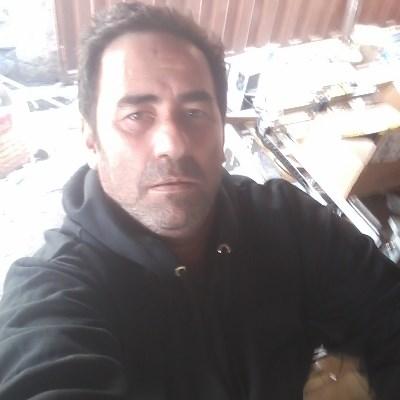 Cal, 47 anos, site de encontros