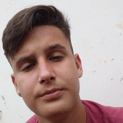 Marcos, 18 anos, site de relacionamento